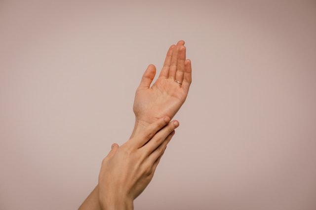 Jak zadbać o dłonie?