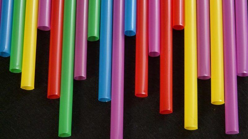 5 sposobów, jak ograniczyć użycie plastikowych opakowań