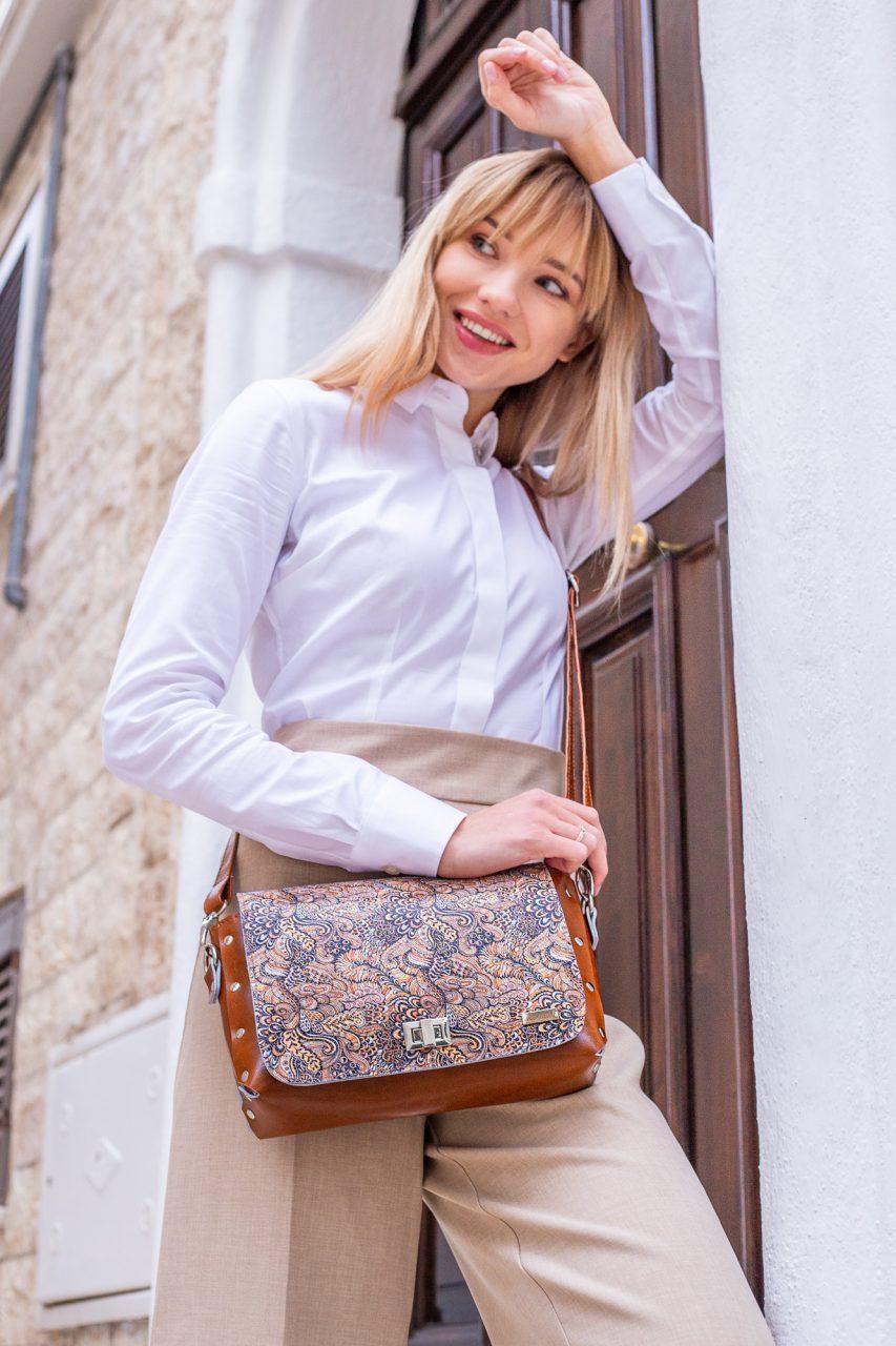 Kiedy możesz pozwolić sobie na plecak a kiedy powinnaś postawić na torebkę? Poradnik stylizacyjny